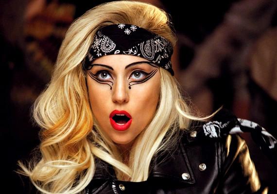 Lady Gaga balszerencsés pillanatai olyan gyakoriak, hogy még összefoglaló is készült róla:a videót itt éred el!