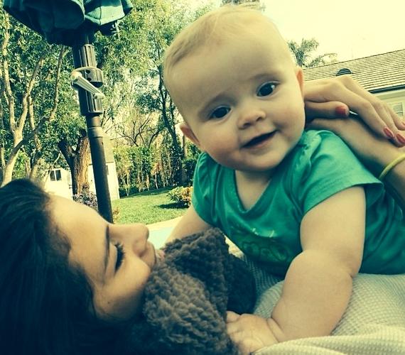 Selena Gomez cuki fotót osztott meg kishúgáról, Gracie-ről.