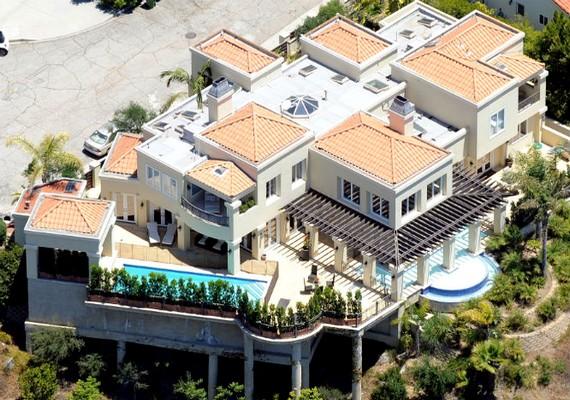 Lady Gaga hatalmas Beverly Hills-i otthona igazi klisé a sztárházak között.