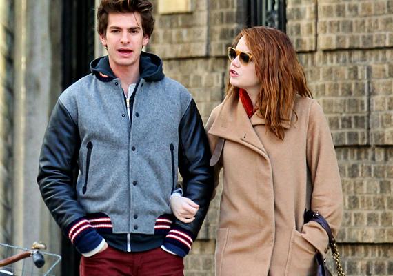 Emma Stone és Andrew Garfield másfél éve vannak együtt, és úgy tűnik, boldog és kiegyensúlyozott a kapcsolatuk.