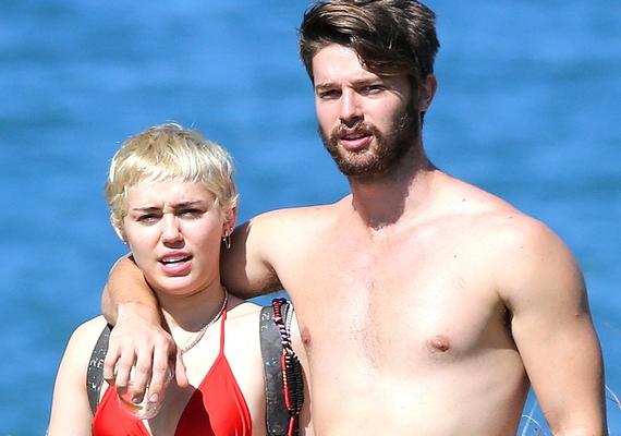 Mostanában Miley Cyrus és Patrick Schwarzenegger kapcsolatától hangos a sajtó, és bár a sztárpár kapcsolata még friss, mindig hallatnak magukról.