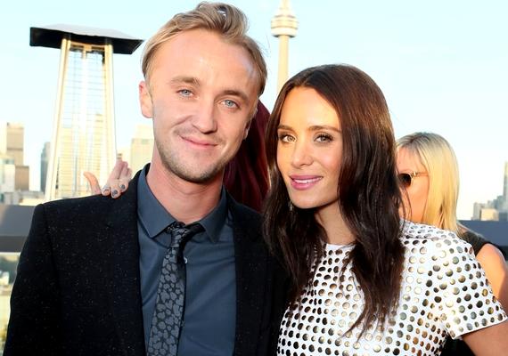 Tom Felton gyerekként lett sztár, így senki nem gondolta róla, hogy fiatalon lehorgonyoz majd Jade Olivia mellett. Pedig így történt, 2008 áprilisa óta kitartanak egymás mellett, és mostanában egyre gyakrabban suttognak a pletykaimádók a közelgő esküvőről.