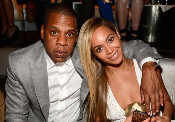 Jay-Z és Beyoncé között 12 év van. 2002-ben kezdtek el randizni, ekkor az énekesnő mindössze 19 éves volt, nem véletlen, hogy féltették a rappertől, de az idő őket igazolta.
