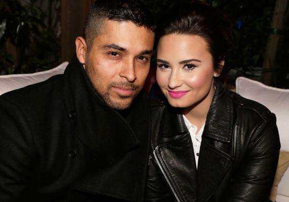 Demi Lovato rácáfolt a cinikus jóslatokra: a nála 12 évvel idősebb és nőcsábásznak kikiáltott Wilmer Valderramával már 2011 óta egy párt alkotnak.
