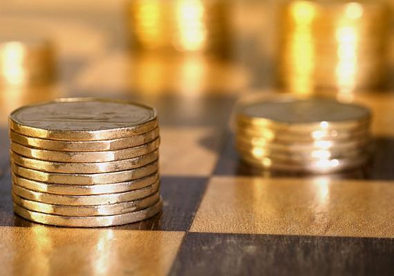 Kanadában egy 1985-ös törvény tiltja az érmék indokolatlan használatát. Ha tíz dollárnál nagyobb értékben vásárolsz, nem fizethetsz kizárólag apróval.