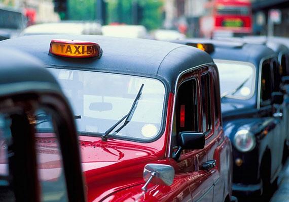 Angliában törvény tiltja, hogy elmondj egy taxisnak olyasvalamit, amiről nem szeretnéd, hogy tudjon.