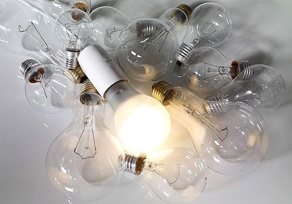 Ausztráliában csak akkor cserélhetsz ki egy izzót, ha van villanyszerelői szakvizsgád.