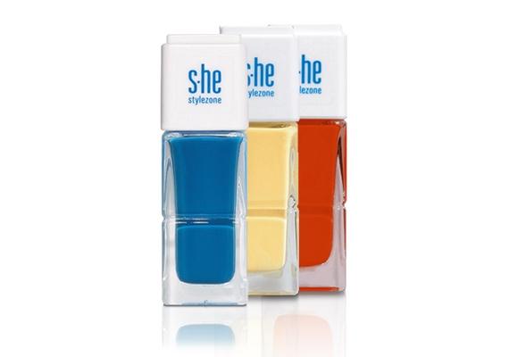 Telt színekben kapható aS-he Stylezone Aqua Shine körömlakkcsaládja, 799 forintért.