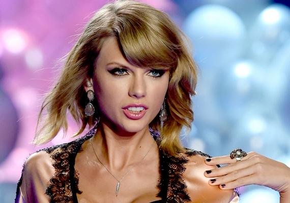 Sokan nem tudják elképzelni, hogy egy ilyen fiatal nő önerőből ennyire sikeres legyen - innen ered a pletyka, hogy Taylor Swift valójában 89 éves, csak valamilyen misztikus okból nem öregszik a teste.