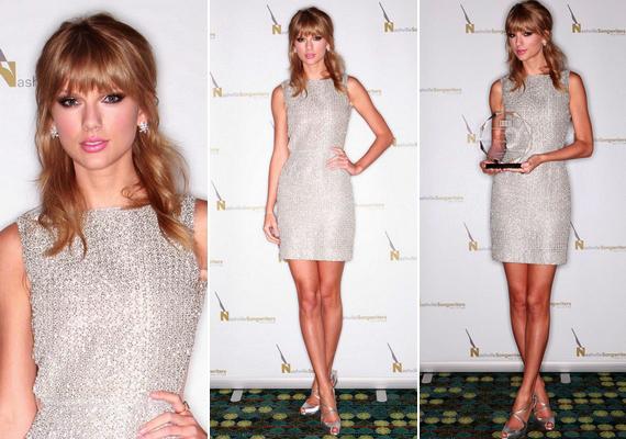 A szőke sztár október közepén szintén díjat kapott szülővárosában, azNSAI country-zenei díjátadó keretében. A nagy napon egy csillogó Houghton ruhakölteményben jelent meg.