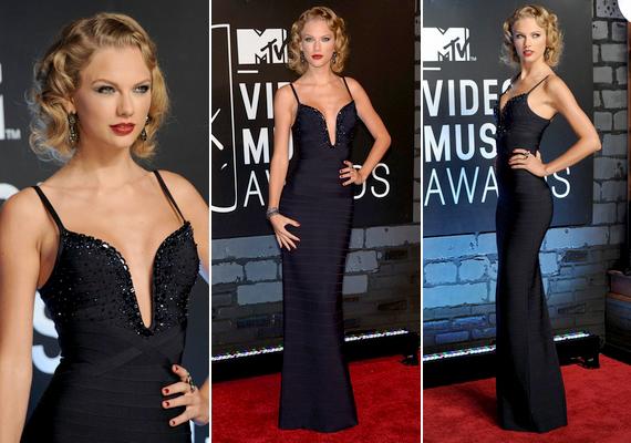 Vonzotta a tekinteteket az énekesnő mélyen dekoltált Herve Leger ruhája, amelyet az augusztusi MTV Video Music Awardsra választott.