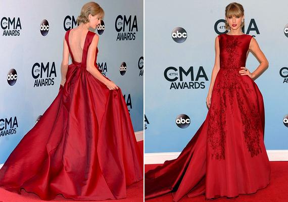 Lélegzetelállító skarlátvörös ruhában jelent meg Taylor Swift a szerdaiCMA díjátadón Nashville-ben. A ruhakölteményElie Saabőszi couture kollekciójának darabja.