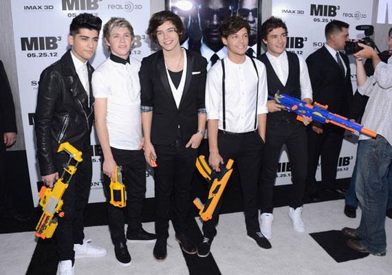 A One Dierction a Music Star, a legszebb szerelmes dal és a friss felfedezettek kategóriájában is elhozta a díjat, de a fiúk sajnos személyesen nem tudtak részt venni az ünnepségen.