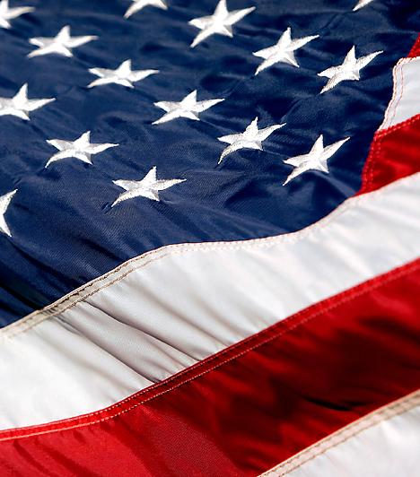 Az Amerikai Egyesült Államok közel tízmillió négyzetkilométeres területével és több mint 300 millió lakosával a Föld egyik legnagyobb és legnépesebb állama. A világ legnagyobb gazdaságával rendelkezik: hazai termelése a világ GDP-jének közel egyötöde.