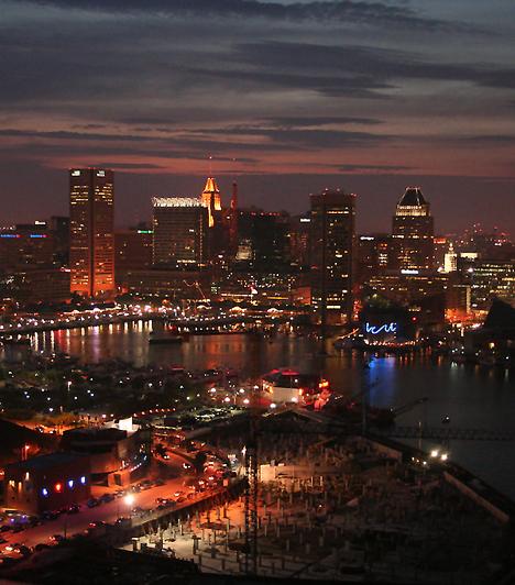 Baltimore az Egyesült Államok huszadik legnépesebb városa. Itt született többek között David Hasselhoff, Michael Phelps, Frank Zappa, Leon Uris és Upton Sinclair író, de a városban élt Edgar Allan Poe is.