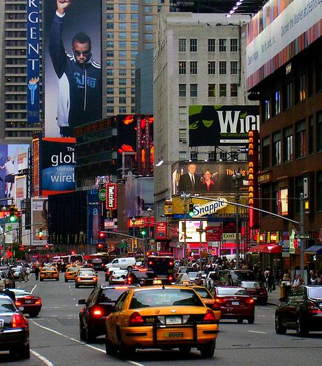 Az Egyesült Államok három legnépesebb városa New York, Los Angeles és Chicago. A külvárosi területeket is beleértve az első közel 20 millió lakossal rendelkezik, Los Angeles-t 18 millióan, Chicagót pedig közel 10 millióan lakják.