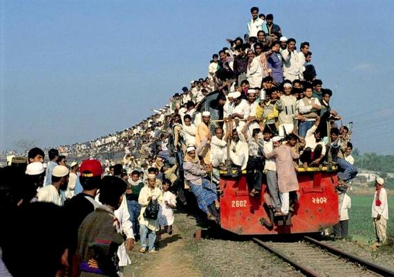 A dakkai vonaton valamivel többen utaznak, mint a magyar elővárosi szerelvényeken.