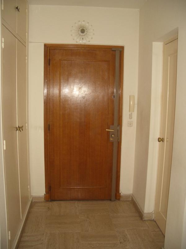 Eredeti bejárati ajtó