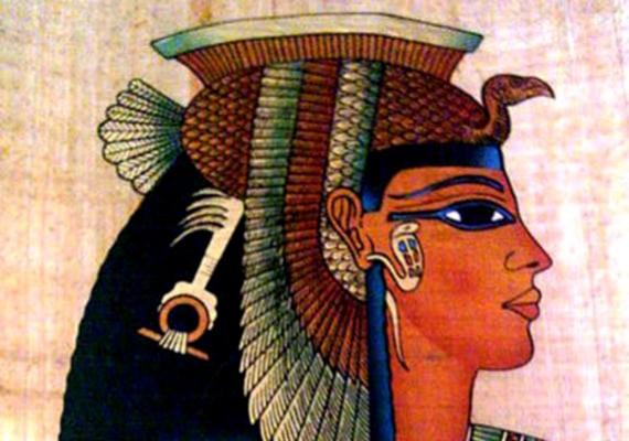 Kleopátra, Egyiptom királynője ma már a szépséget szimbolizálja. Már az időszámításunk előtt festette a haját, sminkelt, ésa legendák szerint minden nap mézben és szamártejben fürdött, hogy megőrizze fiatalságát.