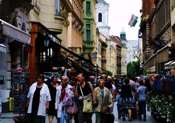 Egy turista szerint kihagyhatatlan a Váci utca.