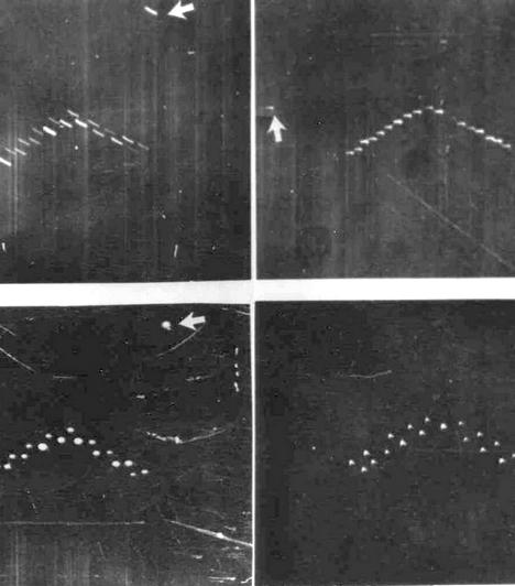 A fordított V alakban elhelyezkedő fénypontokat nem is egyszer, hanem 1951 augusztusában és szeptemberébentöbbször is látták Texasban. A jelenség később a lubbocki fények elnevezést kapta, a fotókat pedig egy egyetemista készítette. Bár a mai napig nem tudják, mi lehet a képeken, egyesek szerint csak madarakat ábrázol.  Kapcsolódó szavazás: Melyik szellemfotó ijesztőbb?»