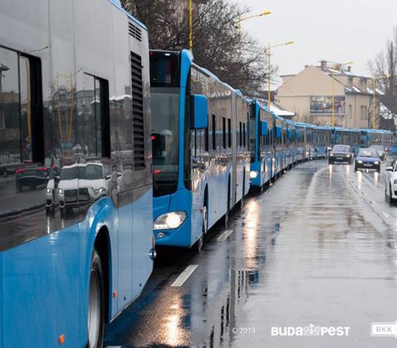 A buszokon olyan biztonsági rendszert alakítottak ki, ami megakadályozza, hogy az utas táskája vagy kabátja odacsukódjon.