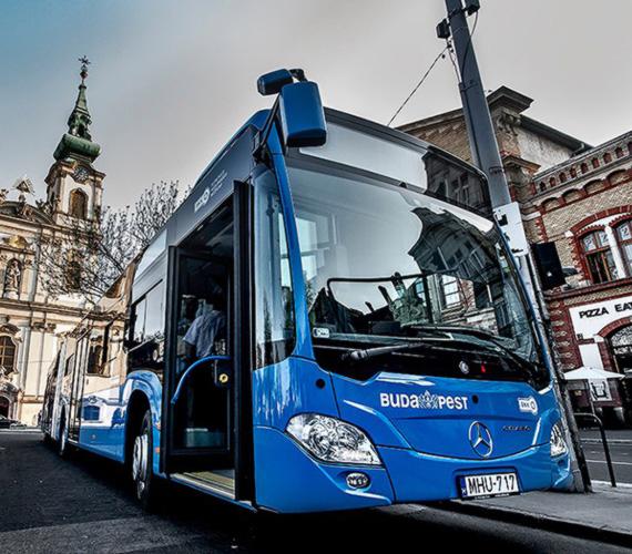 A felhajtható ülések révén több hely segíti a zsúfolt időszakokban való közlekedést.