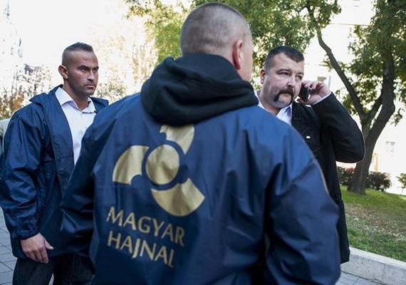 A legfrissebben, október 31-én megalakult párt a magát nemzetinek és nacionalistának tartó Magyar Hajnal Párt. Elnöke, Kisgergely András korábban jobbikos politikus volt. A tíztagú párt jelenleg bejegyzés alatt áll, mert a bíróság hiánypótlásra szólította fel őket. Ha a kötelező körökön túl vannak, ők is szeretnének indulni a 2014-es választásokon.