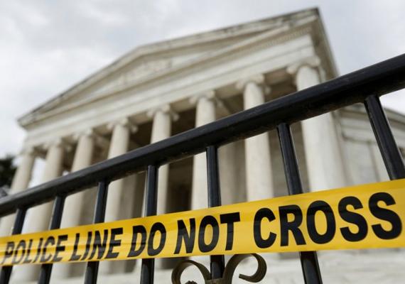 Lezárták a Jefferson-emlékművet is.