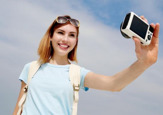 Turisták mindenhol! Nyaralókba botlasz a városban, és a Facebookon is minden második poszt egy tengerparti szelfi, ráadásul a barátaid nagy része is szétszóródott a világban. Ezt a pontot súlyosbítja, ha dolgozol a nyáron.