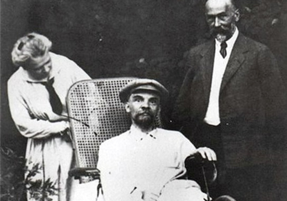 Lenin már három agyvérzésen volt túl, amikor utolsó képe elkészült. Ekkor már hangja sem volt.