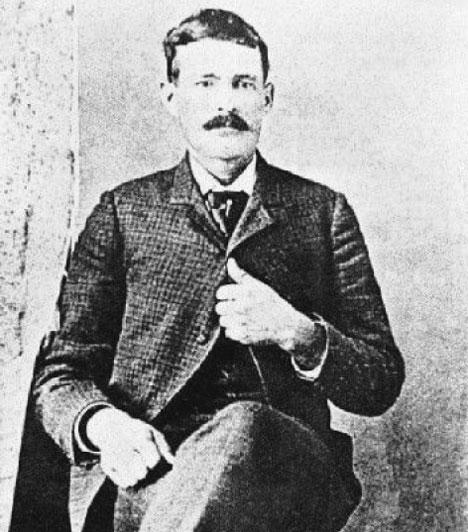 """""""A pokolban leszek, mire megreggeliztek! Eresszétek!"""" - Tom KetchumTom Ketchum Black Jack néven vált ismertté - cowboy volt, aki a bűn útjára tért, és 1901-ben, egy kora reggeli órán gyilkosság és vonatrablás miatt fellógatták - úgy tűnik, szeretett volna mielőbb túlesni a dolgon."""