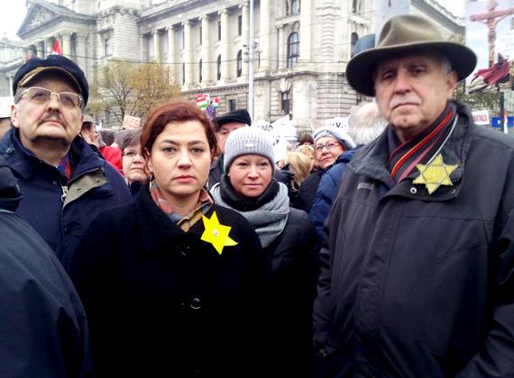"""A Jobbik ellen tiltakozva sárga csillagot viselt egy tüntetésen és a Parlamentben is. """"A szókimondó nő, aki meg merte mondani Orbán Viktornak az Országgyűlésben, amit sokan gondolnak: Diktátor vagy! - 2013. március 11."""" - áll Vadai Ágnes Facebook-oldalának fejlécében."""