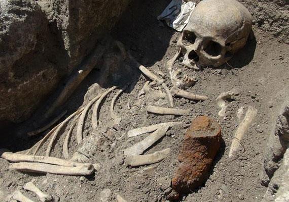 Nem ez az első holttest, amit hasonló eljárással temettek el a bolgár kisvárosban.