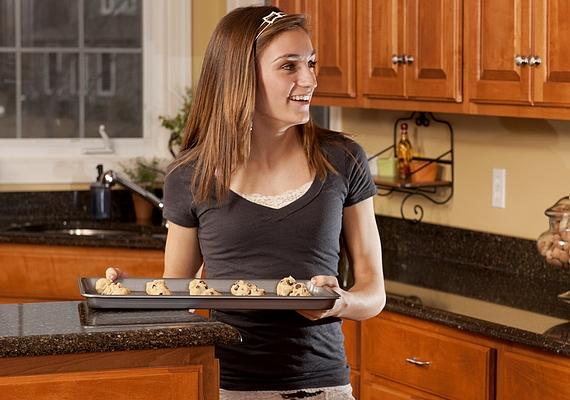 Sürögj egy kicsit a konyhában! Nemcsak a folyamatot élvezheted, de nincs jobb, mint a vasárnapi sütés-főzés után kényelmesen letelepedni, és elfogyasztani a munkád eredményét.
