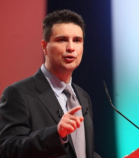 Mesterházy Attila                         2009-ben a Magyar Szocialista Párt (MSZP) alelnökévé választották, nem sokkal később pedig a párt miniszterelnök-jelöltje volt a 2010-es választásokra. 2009 óta a szocialista párt frakcióvezetője, 2010 júliusa óta az MSZP elnöke. Nős, egy fiú- és egy lánygyermek édesapja.