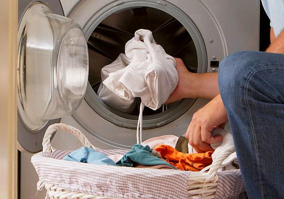 Egyes mosógépek használati útmutatója felszólít rá, hogy ne helyezz embert a gépbe.