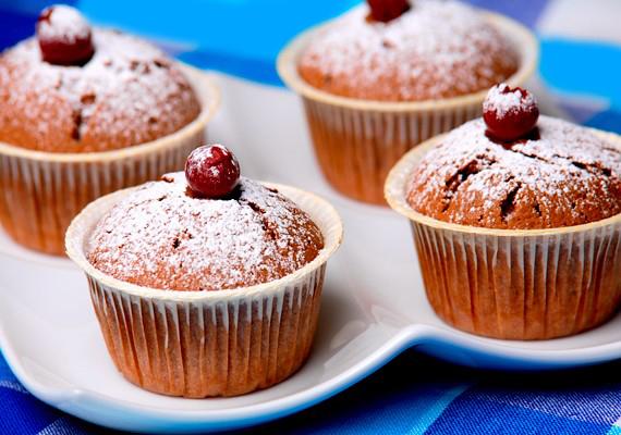 Több mirelit készítmény, például sütemény használati útmutatójából is kiderül, hogy vigyáznod kell, mert melegítés után a süti forró lesz.