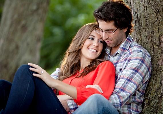 A hivatásos ölelő olyan embereken segít, akiknek épp nincs kapcsolatuk, vagy csak szeretetre vágynak. Semmilyen más érintkezésről nincs szó, csak ölelkezésről.