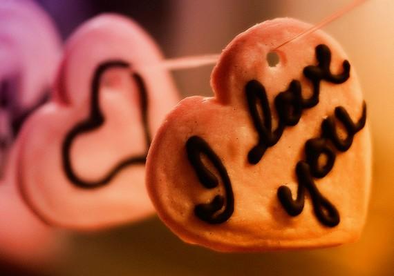 Így minden nap kaphatsz szerelmes szavakat.Kattints ide a nagy felbontású képért! »