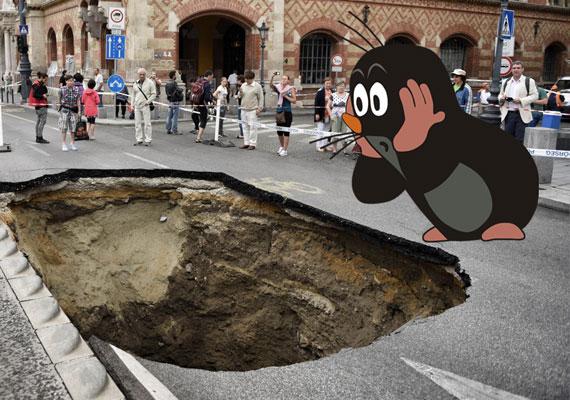 Ekkora kráterek Lengyelországban sincsenek. Borzasztó!
