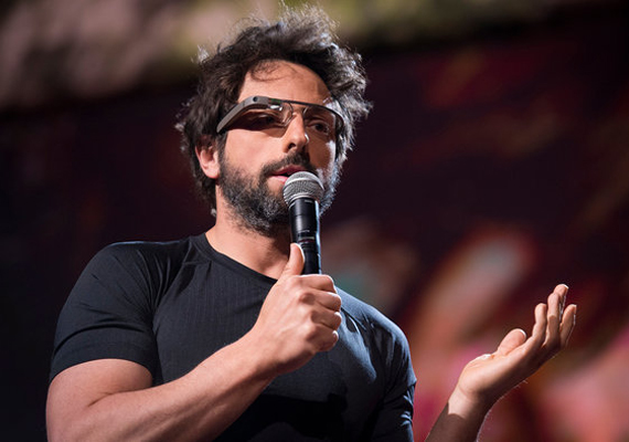 A Google egyik alapítója, a 40 éves, kétgyerekes Sergey Brin a harmadik legfiatalabb befolyásos ember, aki a teljes listán a 17. helyet érte el. Szintén a forbes.com listáján Brin a 21. leggazdagabb ember a világon.