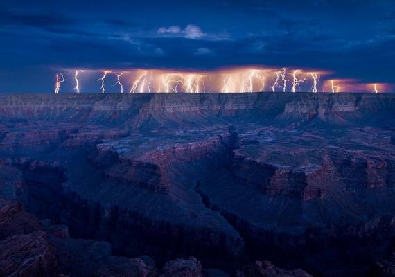 Villámok a Grand Canyon felett.Kattints ide a nagyobb felbontású képért! »