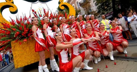 Magyarország legnagyobb virágfesztiválja a debreceni. Méltán helyet kaphat a világ tíz leglátványosabb virágfesztiválja között, hiszen múltja több mint száz esztendőre tekint vissza, és évente több százezer látogatót vonz Debrecenbe, amivel kimagaslik az európai fesztiválok közül. A virágkarnevál mára ötnapos rendezvénysorozattá nőtte ki magát.