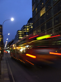 London éjszakai fényeit is érdemes megnézni
