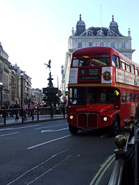 Piccadilly Circus, az Eros szoborral