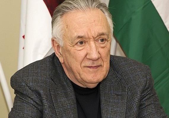 A következő ciklusban nem lesz képviselő a volt külügyminiszter, Kovács László sem.