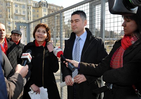 Az MSZP-s Lendvai Ildikó és a II. kerületi volt polgármester, Horváth Csaba is visszavonuló fújnak, így nem vesznek részt tovább a parlamenti munkában.
