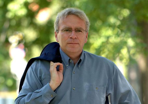 A volt oktatási miniszter, Pokorni Zoltán is inkább a helyi politikát választja. Utódja a fejlesztési minisztérium államtitkára, Fónagy János lesz.
