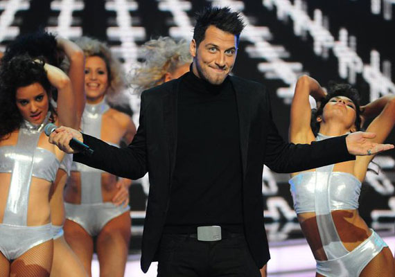 Vastag Csaba 2011-es slágere, az Őrizd az álmod a Viva Chart Show harmadik helyéig jutott.